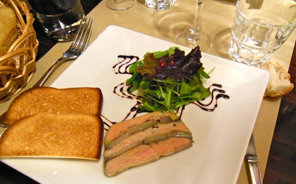 Pour l'entrée (starter), je prends du foie gras, s'il vous plait.
