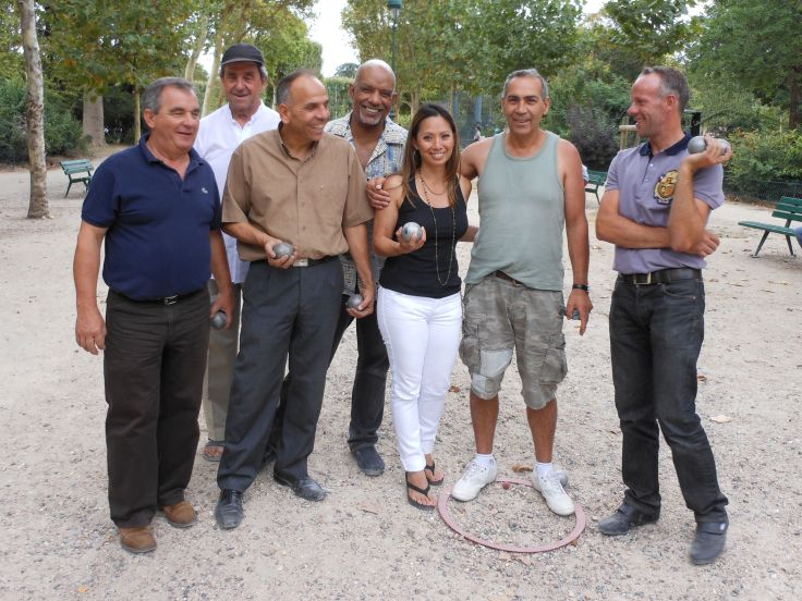 My new Pétanque friends taught me a lot about the traditional French game, and I taught them that a girl from Seattle has got mad skillzzz!