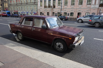 Soviet-era Ladas are popular with Uzbeki drivers.