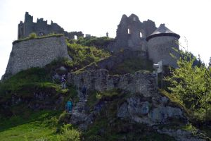 Storming the castle at Ehrenberg.