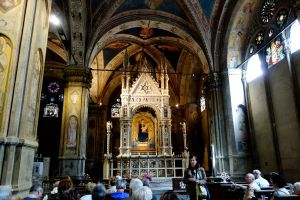 This marble tabernacle is a gem waiting to be discovered by you inside the Orsanmichele Church.