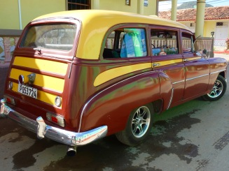 1950s station wagon in Viñales.